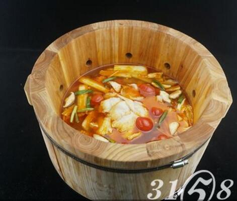 鱼你相伴-番茄喷泉鱼火锅