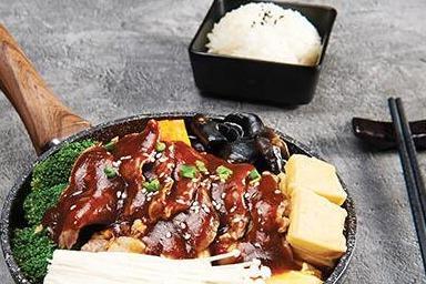 焖掌柜焖锅-五花肉酱汁焖锅
