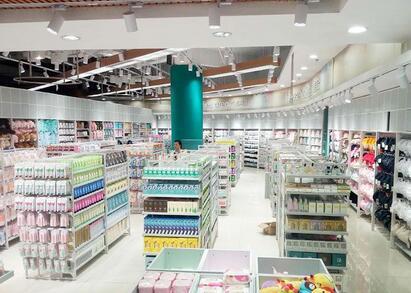 时尚百货加盟的发展如何 韩素生活时尚百货投资的好项目