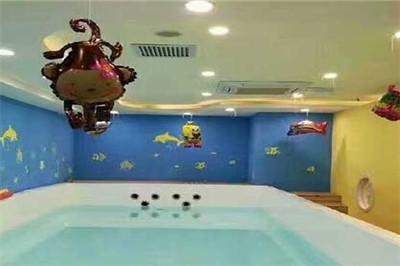 冬天可以婴儿游泳吗 熊猫baby泳疗中心不分季节