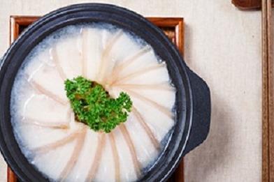 开黄焖鸡米饭店一年能挣多少