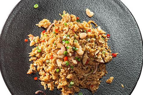 什么中式快餐品牌好 山村米姑娘市场实力强