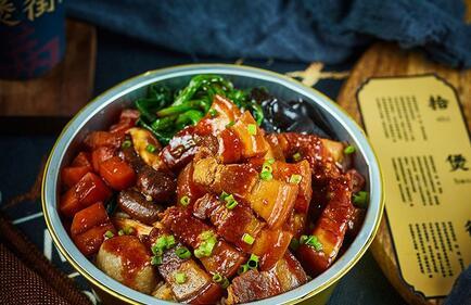 中式快餐店加盟哪家好 拾煲街烩烧饭一个很有潜力的品牌