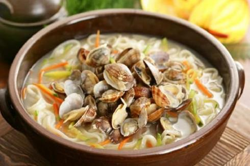 開個給力魚哥酸菜魚米飯加盟店能**嗎 開店成本要多少