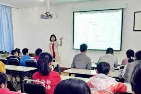 教育品牌有哪些 顺势智能英语教育总部全面帮扶