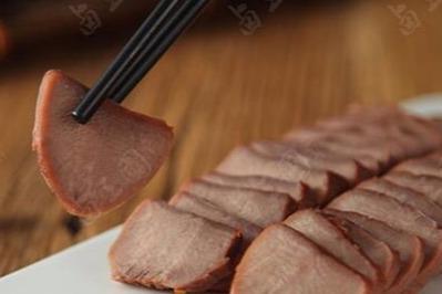 小县城开一家卤三国卤味小吃有生意吗