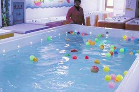 熊猫baby泳疗中心一共要投入多少成本