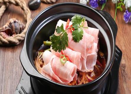 加盟一家虾得乐虾米饭所需的费用多不多