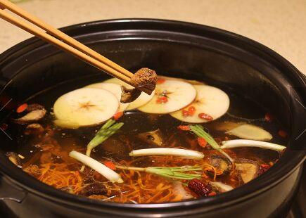 蜀皇全牛宴菌湯鮮好吃嗎