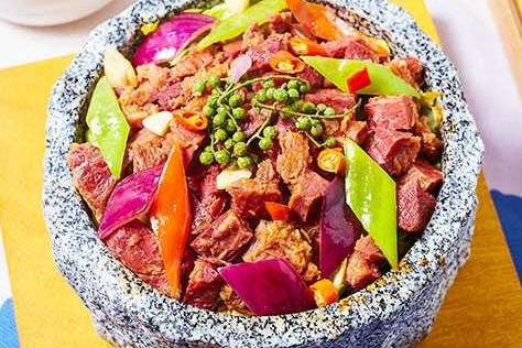 石鍋飯加盟店哪個好 食趣石代很有特色