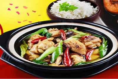 食客**黃燜雞米飯