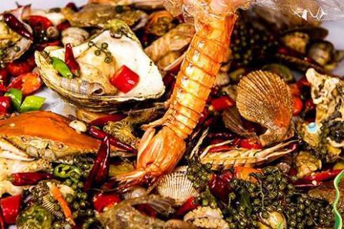 小龙虾店加盟怎么样 给您带来可观的财富