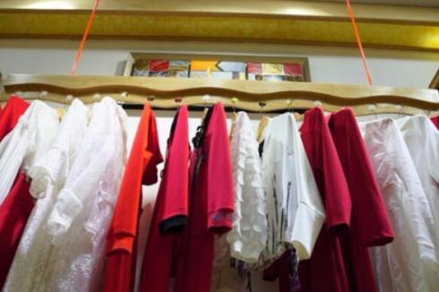 开个服装店怎么进货 一年能够有多少收益