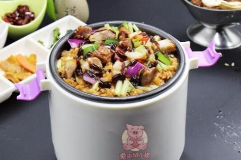 焖饭怎么做 爱尚焖小猪烤肉焖饭