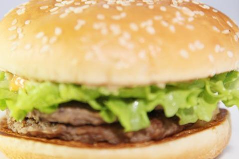 自己开汉堡店怎么找货源 贝克汉堡为大家提供
