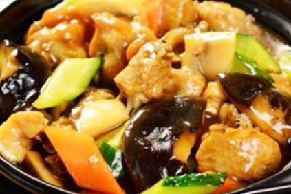 中式快餐店的利润有多少 加盟巧仙婆砂锅焖鱼饭快餐好不好