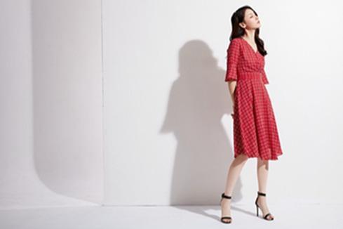 女装店怎样经营生意好 开一家品牌女装店利润好吗