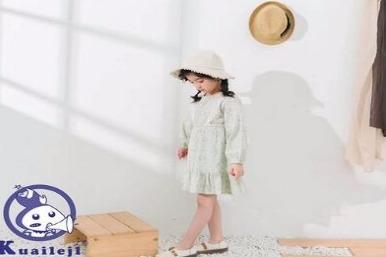童装店加盟排名哪个比较好 快乐精灵童装排名不错