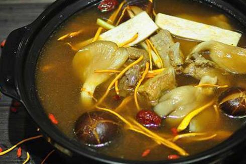 开汤馆的秘诀是什么 巴人媳妇七品汤煲馆优势有哪些