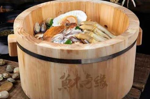 木桶喷泉鱼火锅到哪里学