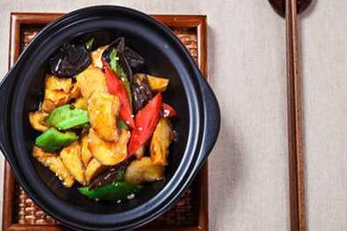 黄焖鸡米饭加盟培训选择食必思黄焖鸡米饭