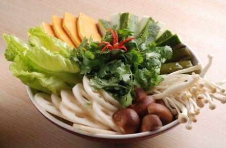 有什么好的餐饮可以加盟 选择渝昭昭火锅冒菜赚钱吗