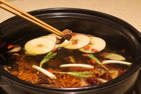 加盟蜀皇全牛宴牛肉汤锅所需费用高吗