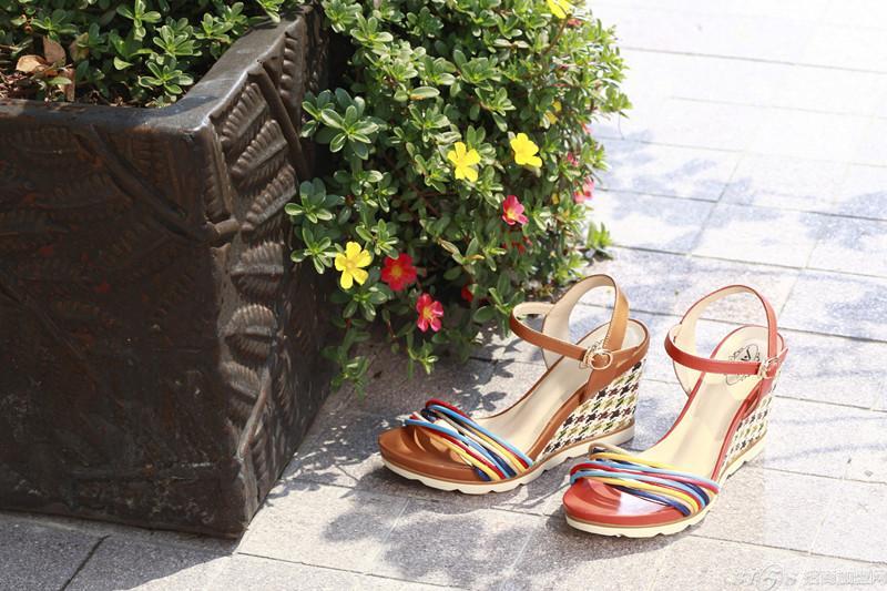大東女鞋加盟_名典女鞋_怎樣加盟鞋柜女