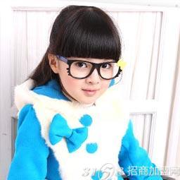...童装更是给孩子提供一个绽放梦想的时尚t台.新手如何开童装...
