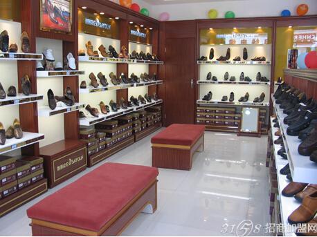 皮鞋 德赛/德赛帝伦皮鞋也从未停息,正在不断的调整、创新与变革,不断的...
