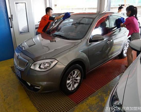 百事特汽车美容加盟 专业技术品质保证