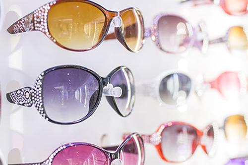 眼镜店如何经营?看看别人家的眼镜店是怎么开的