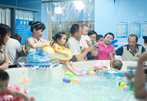 童话雨婴幼儿游泳馆生意好吗