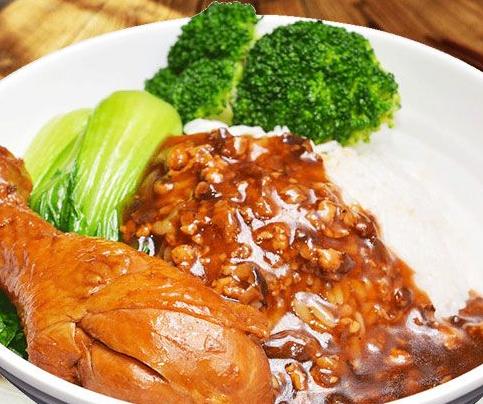 巧仙婆砂锅焖鱼饭快餐符合食客所有需求