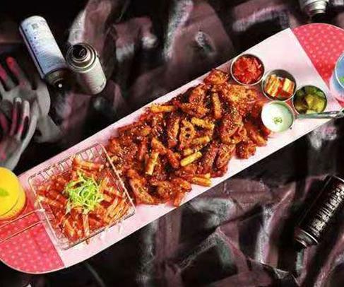 滑板鸡梦想主题餐厅
