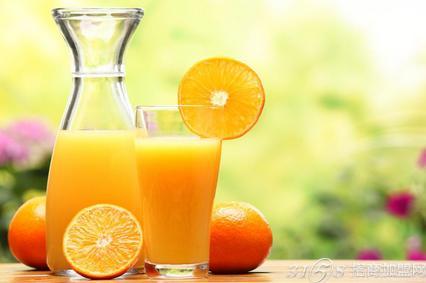 较汁儿鲜榨果汁