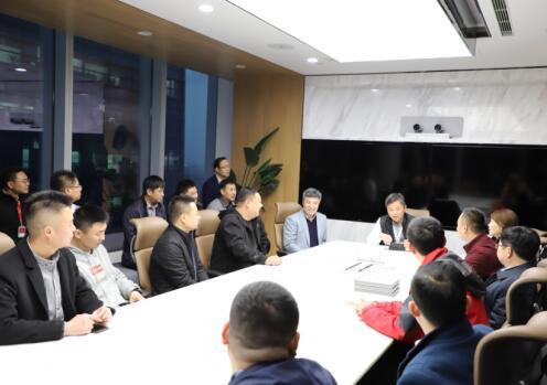 上海军酒有限公司创始人韩宏伟先生与退役军人座谈