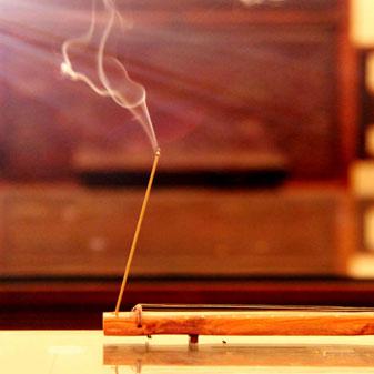 焚香,插花,品茶