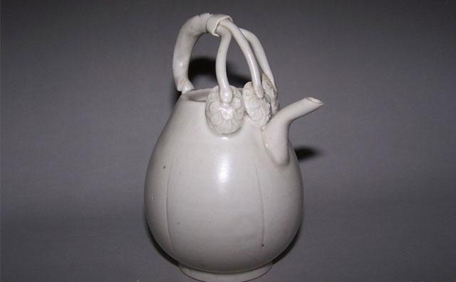 古代类银似雪的定窑白瓷