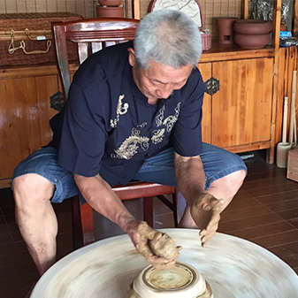 传统手工制作手拉壶