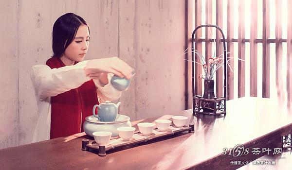 茶艺师是中国茶文化里一道亮丽的风景