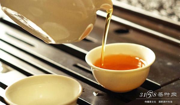 红茶的冲泡要注意茶水比例