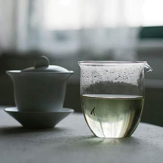 玻璃杯适合泡什么茶 用玻璃杯喝茶好不好
