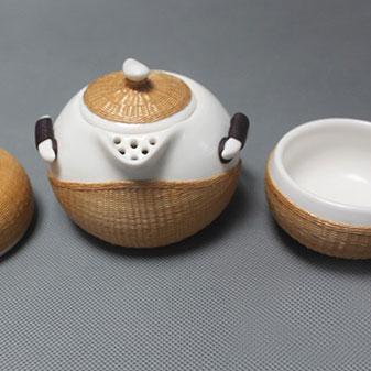 心血淬炼出的艺术 年轻人喜爱的竹编茶具