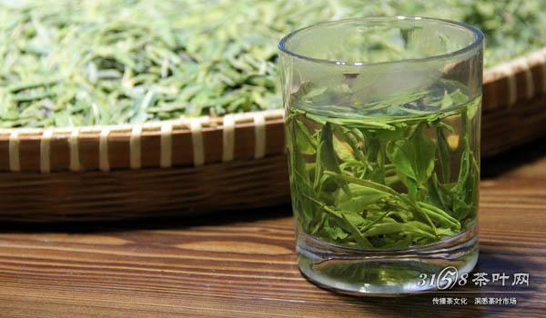 冲泡龙井茶的步骤3