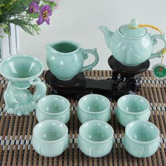 功夫茶具套装中的极品 青瓷茶具的优势有哪些