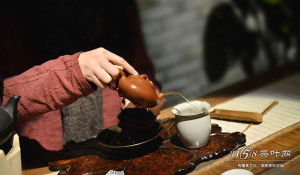 正确冲茶步骤 泡茶应该放多少茶量
