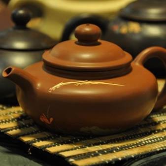 爱壶人士须知 建水紫陶壶的开壶方法
