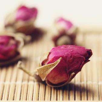 玫瑰花茶有什么功效 玫瑰花茶一次泡几朵比较合适