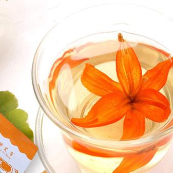 百合花不只有高颜值 泡成茶能养生